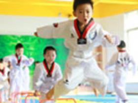 『公益教学』幼儿体质特训班
