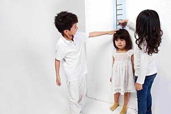 春天多运动,孩子才能长身高!
